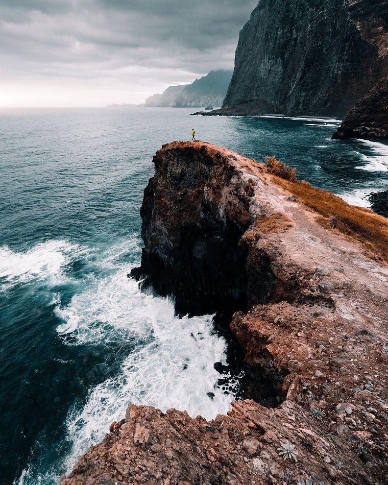 """""""Epische Ansicht"""" von @filippobellisola aus Italien. Ort: Santana, Madeira, Portugal."""