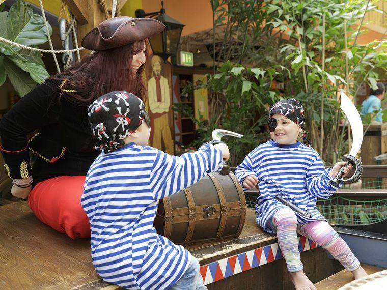 """Einmal Pirat sein? Kein Problem: in den """"Wannabe-Workshops"""" ist das möglich."""