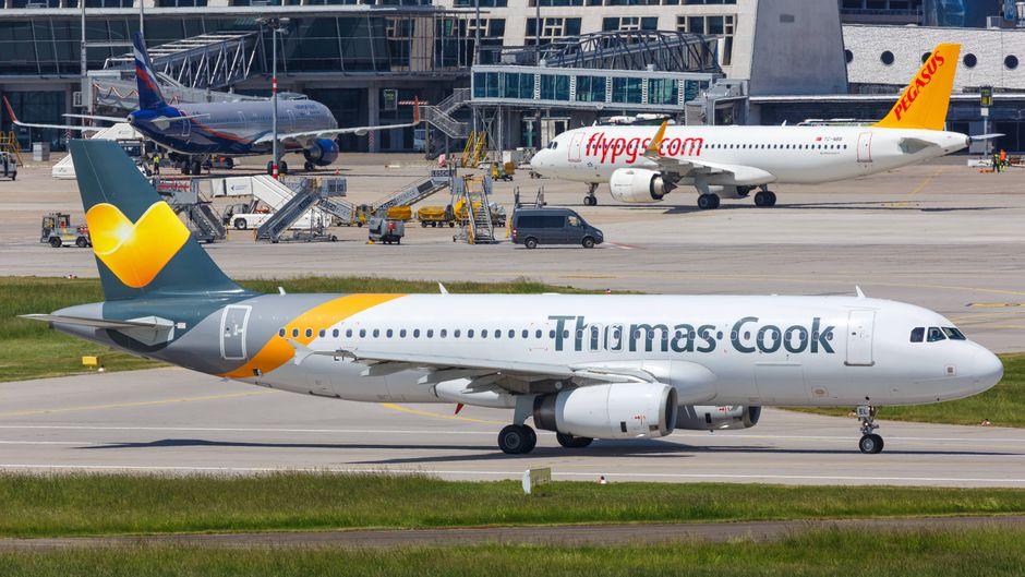 Bleibt dieser Thomas-Cook-Airbus bald am Boden? Eine Pleite des britischen Reisekonzerns wird immer wahrscheinlicher.