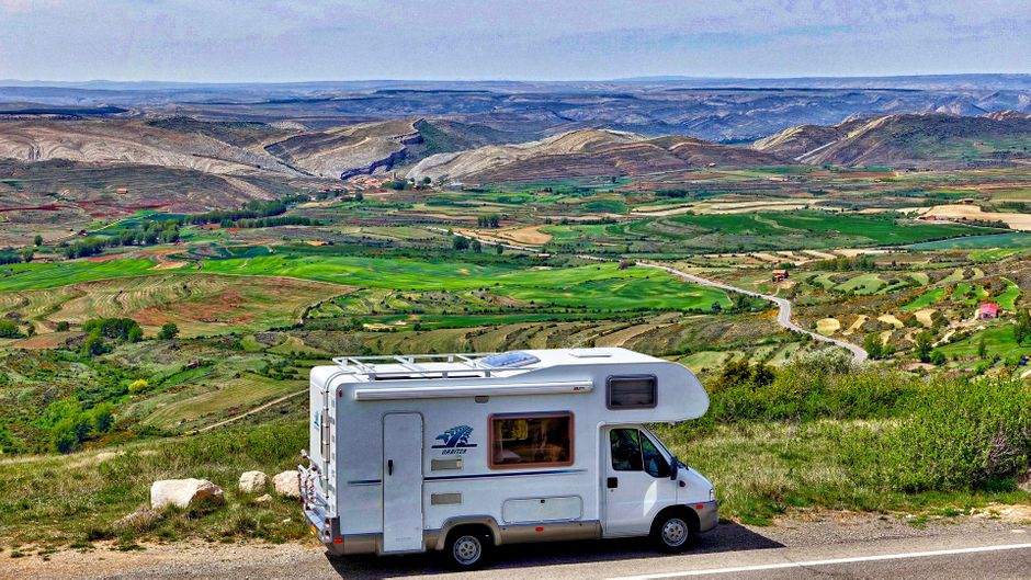 Wohnmobil in beeindruckender Landschaft