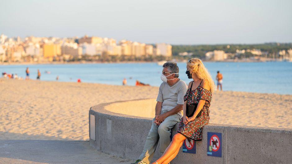 Mallorca und die anderen Inseln der Balearen, Ibiza, Menorca, Formentera und Cabrera, führen eine verschärfte Maskenpflicht ein. (Symbolfoto)
