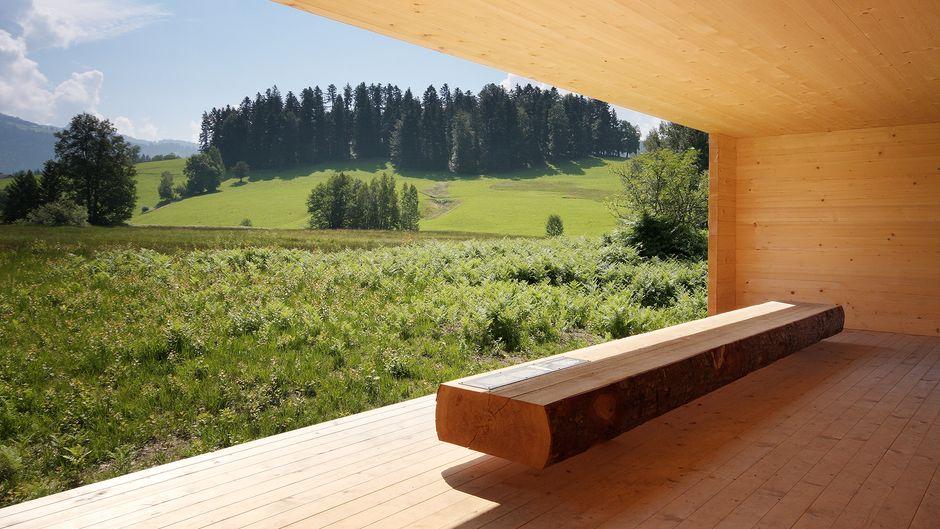 """Der stylische """"Moorraum"""" in Krumbach ist Teil eines der vielen spannenden Lehrpfade im Bregenzerwald."""