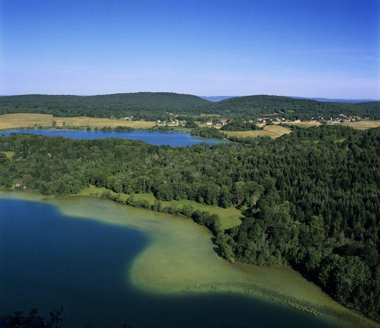 Blick auf die Seen des Jura