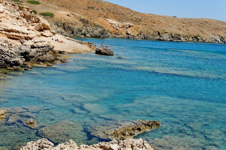 Die Küste von Astypalea ist mit kleinen, unberührten Strände gesprenkelt.