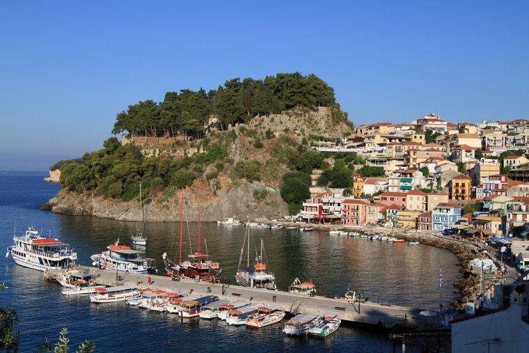 Parga Kleinstadt Parga liegt mit rund 2500 Einwohnern an der griechischen Westküste am Ionischen Meer.
