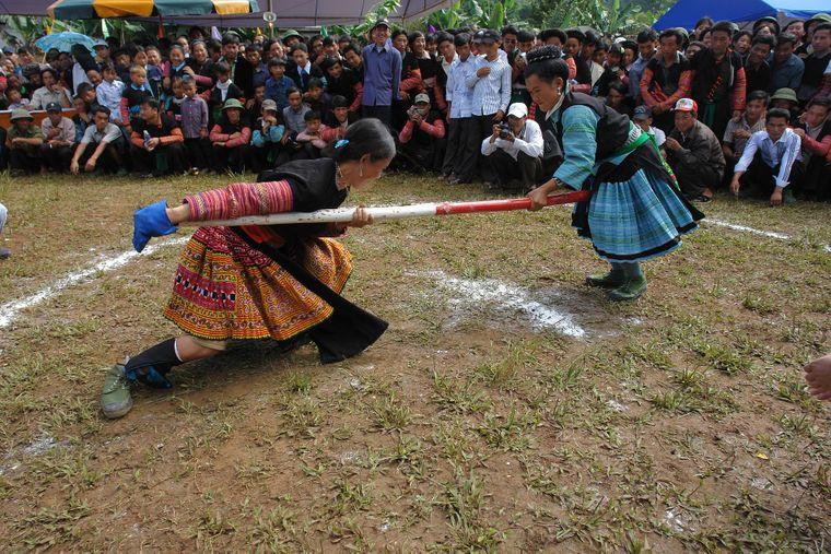 Die Hmong haben unterschiedlichste Trachten innerhalb ihrer Bevölkerungsgruppe.