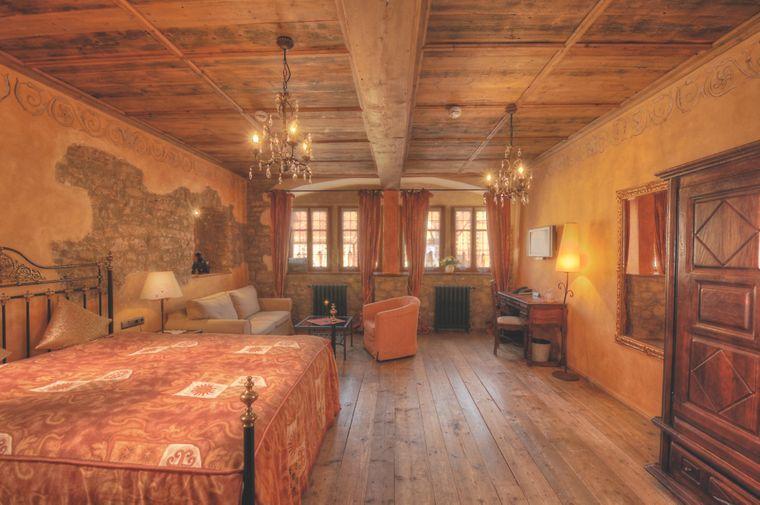 Zimmerbeispiel im Gotischen Haus.