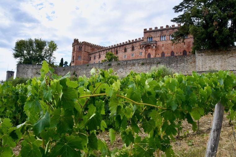 Blick auf das Schloß Brolio, seit 1141 im Privatbesitz
