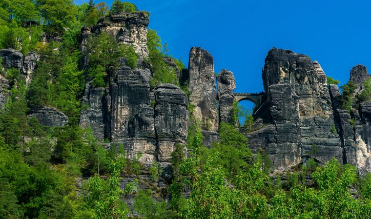 Die Bastei im Elbsandsteingebirge in der sächsischen Schweiz