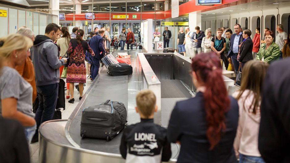 Wenn der Koffer nicht kommt, dann ist die Urlaubsstimmung schnell dahin. (Symbolfoto)