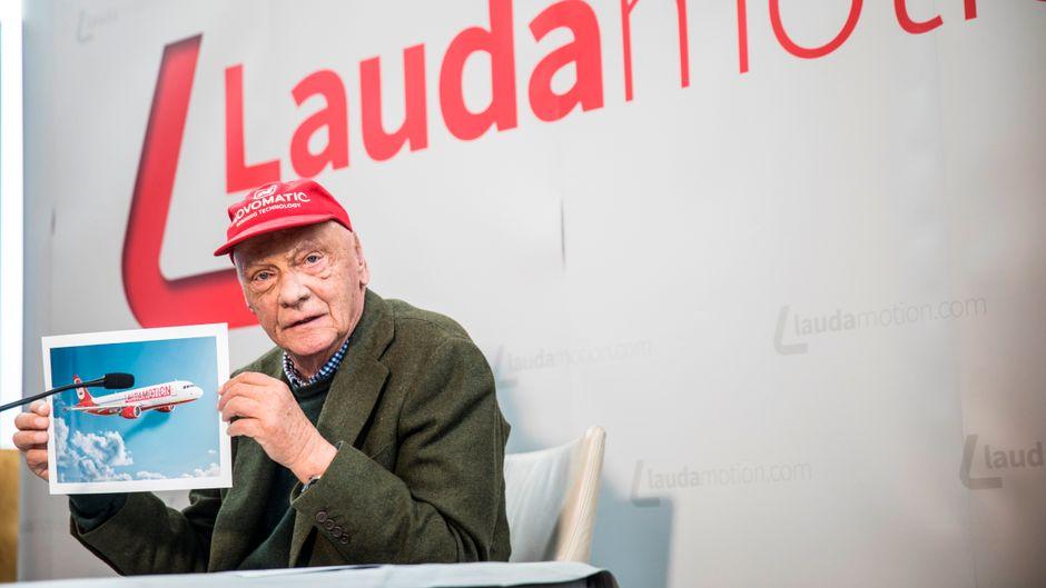 Niki Lauda auf einer Pressekonferenz der Laudamotion im März 2018.