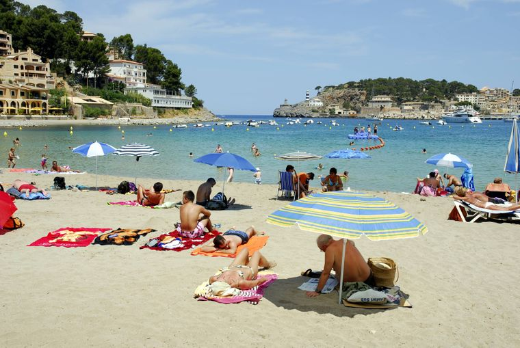 Am Port de Sóller ist es selten voll. Hier kannst du in Ruhe plantschen und Sonne tanken.