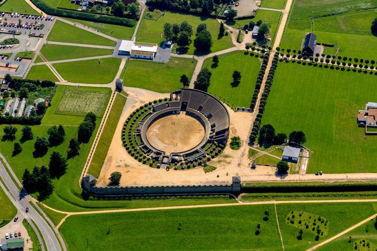 Unbedingt angucken: Das Römermuseum in Xanten mit Arena.
