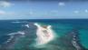 """Die kleine hawaiische Insel East Island gibt es nicht mehr – Wirbelsturm """"Walaka"""" hat sie verschlungen."""