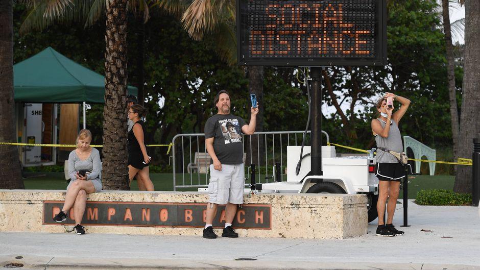 Auch an Stränden in Florida gilt Social Distancing.