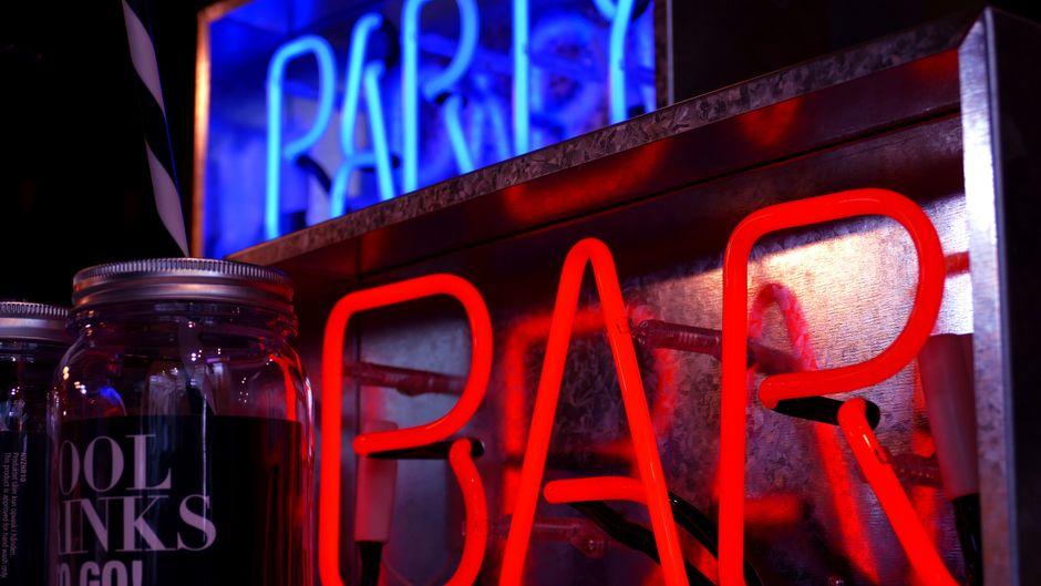 In Manacor auf Mallorca kannst du einen tollen Abend bei einem Streifzug durch die Bars verbringen. Leckere Tapas inklusive!
