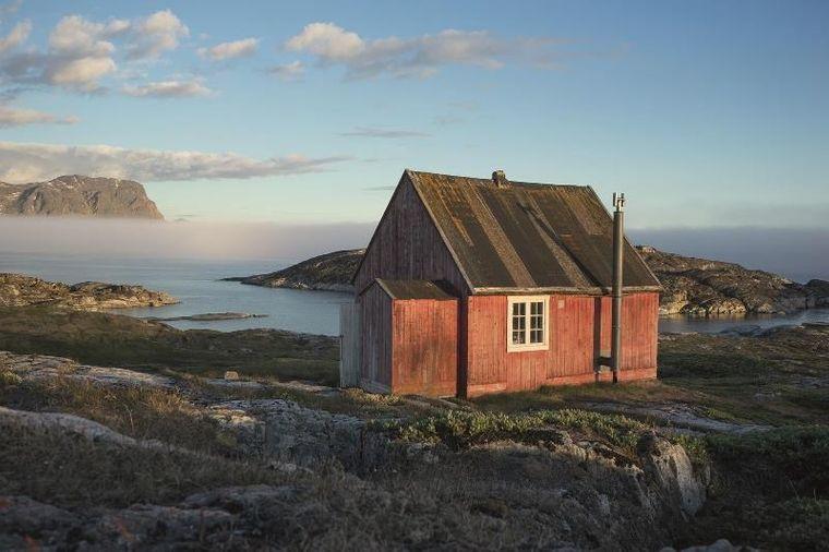 Das einzige Haus in Saqqaq in Aasivissuit, den Jagdgründen der Inuit zwischen Eis und Meer in Westgrönland.
