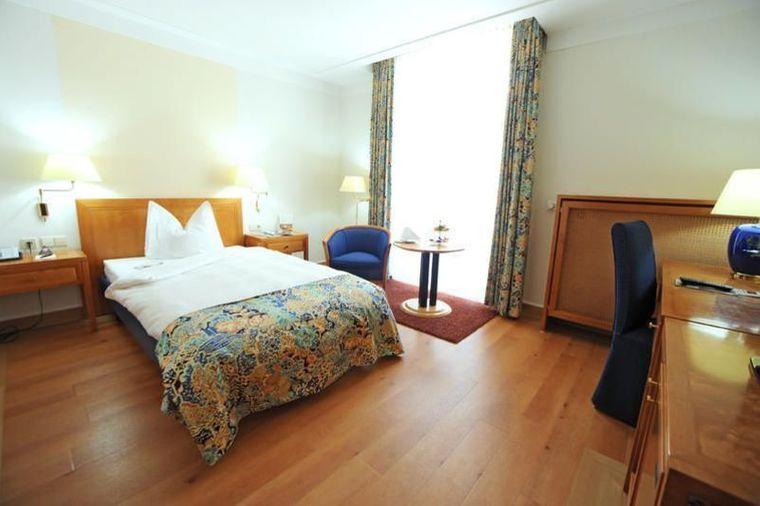 Doppelzimmer Steigenberger Hotel