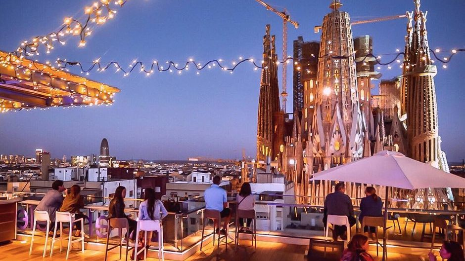 Die Dachterrasse vom Ayre Hotel Barcelona.