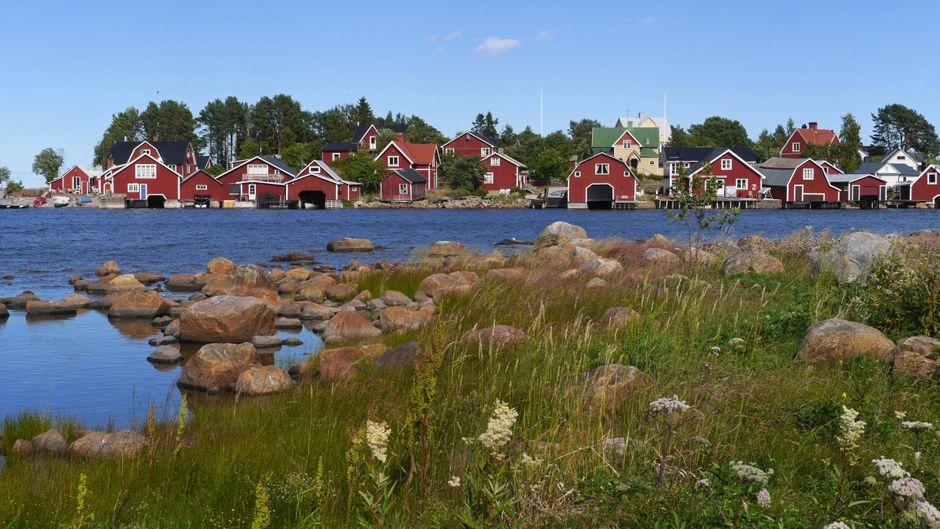 Ein blauer Himmel, die wilde Natur und architektonische Einzelstücke: Schweden erfreut sich bei Urlaubern nicht umsonst großer Beliebtheit.