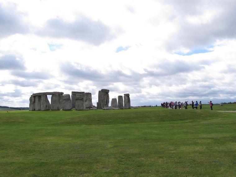 Viele Reisende besuchen während eines England-Aufenthaltes auch Stonehenge. Was die Steine tatsächlich bedeuten, weiß leider niemand.