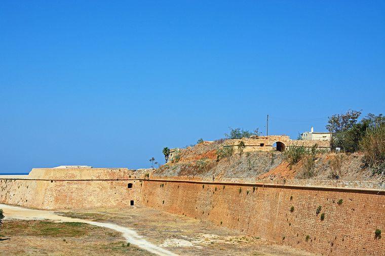 Auch nicht weit von den alten Arsenalen entfernt ist dieSabbionara-Bastion.