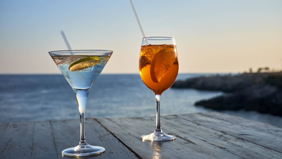 Sundowner mit Blicks aufs Mittelmeer? Bekommst du in Colònia de Sant Jordi!