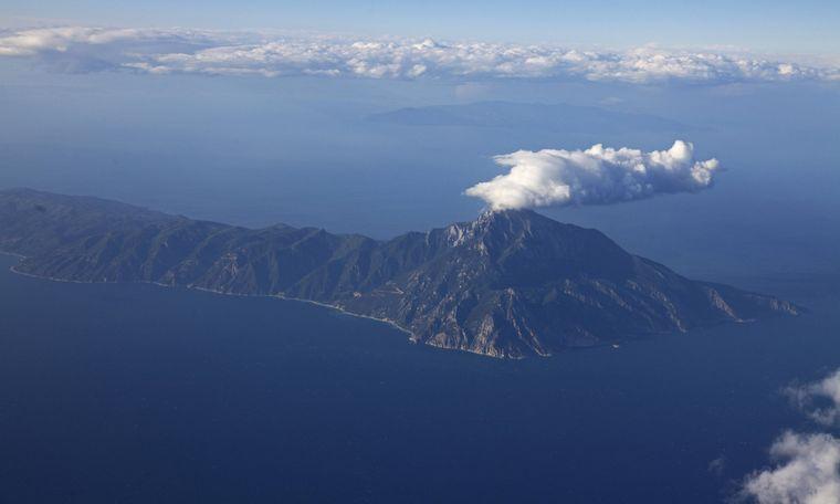 Der Gipfel des Berg Athos ist 2.033 Meter hoch – laut alter Überlieferung gehört das Gebiet der Jungfrau Maria.