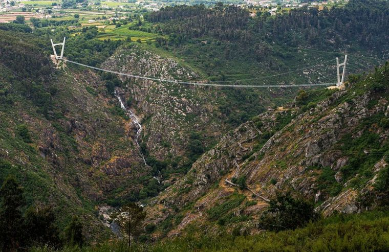 """Die """"516 Arouca"""" ist die längste Fußgänger-Hängeseilbrücke der Welt – mit 516 Metern!"""