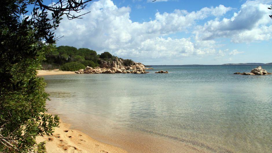 Urlaub auf Sardinien bald nur noch mit negativem Corona-Test möglich? (Symbolbild)