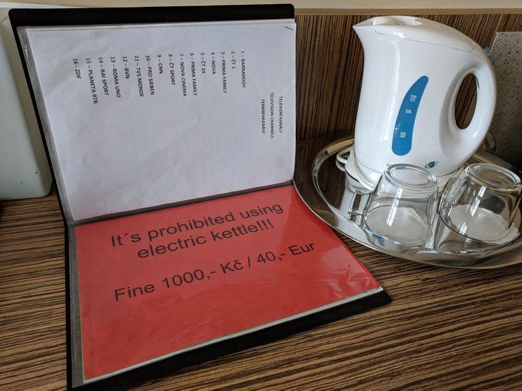 Strafen für das Benutzen des Wasserkochers.