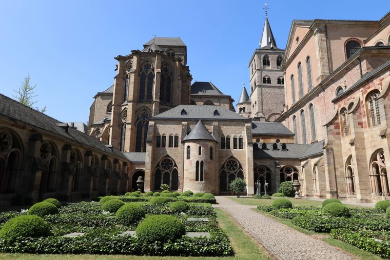 Der Dom St. Petrus in Trier.
