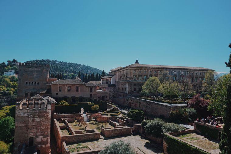 Einer der Höhepunkte der Alhambra ist das Rennaissanceschloss von Karl V.