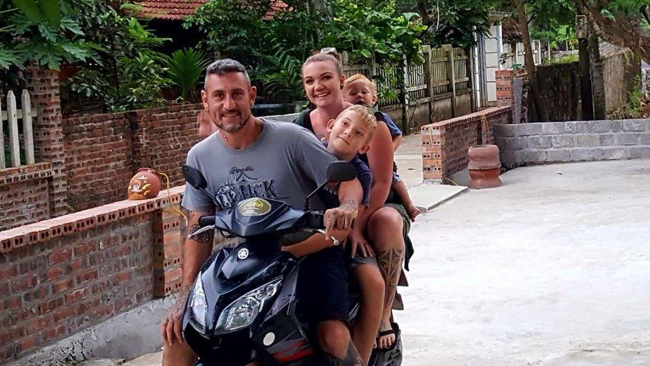 Die Loewe-Familie ist seit zwei Monaten auf Reisen.