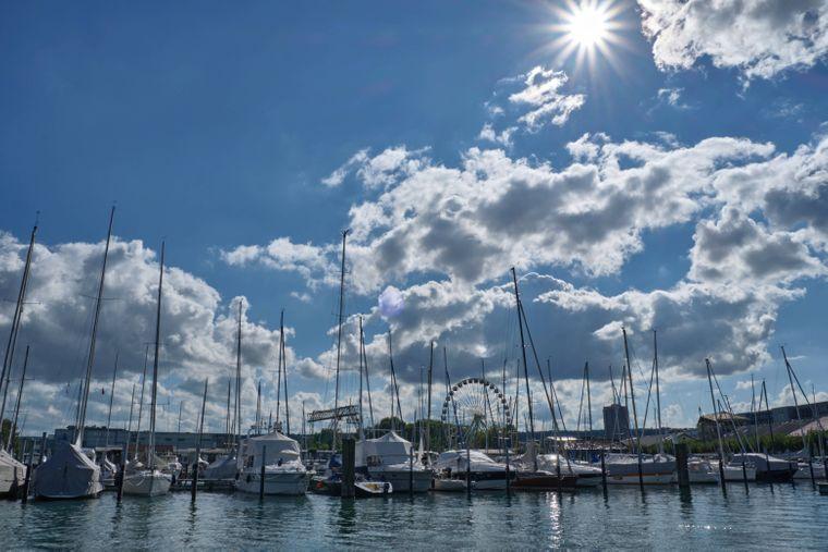 Am Segelhafen in Konstanz am Bodensee.