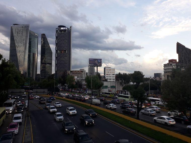 Auto an Auto an Auto: Zäher Verkehr auf den Straßen von Mexiko-Stadt.