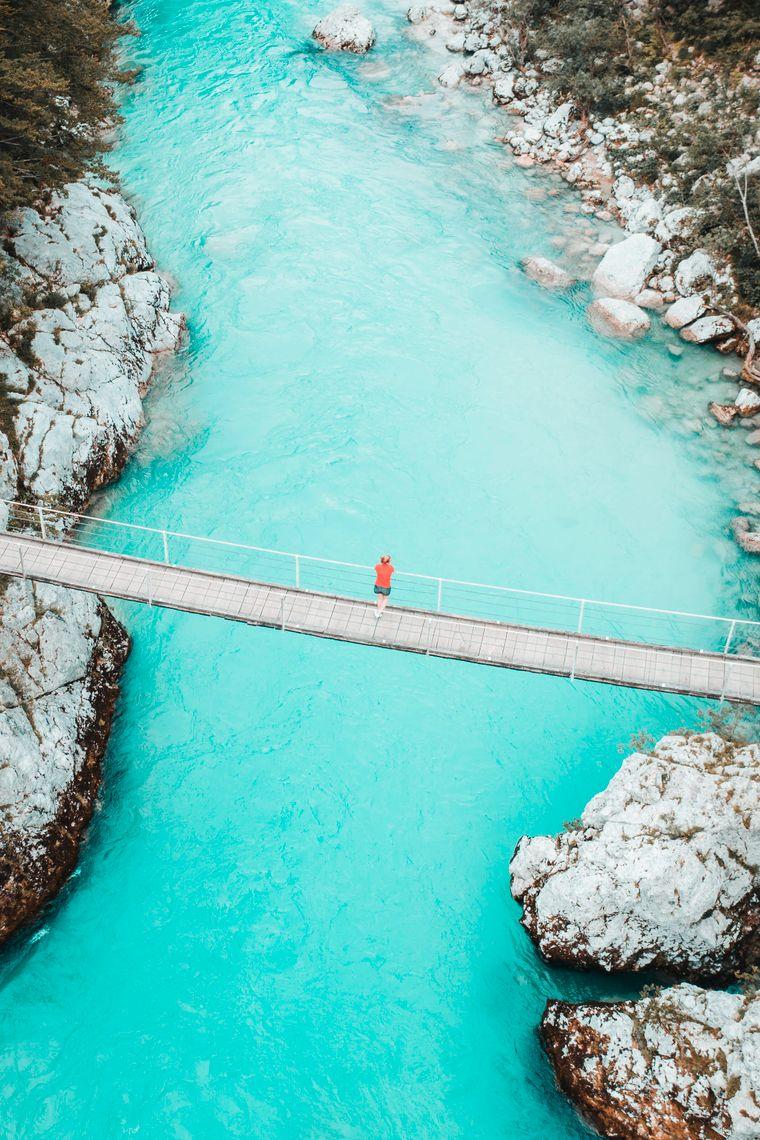 Der Fluss Bovec in Slowenien ist ein Paradies für Outdoor-Reisende.