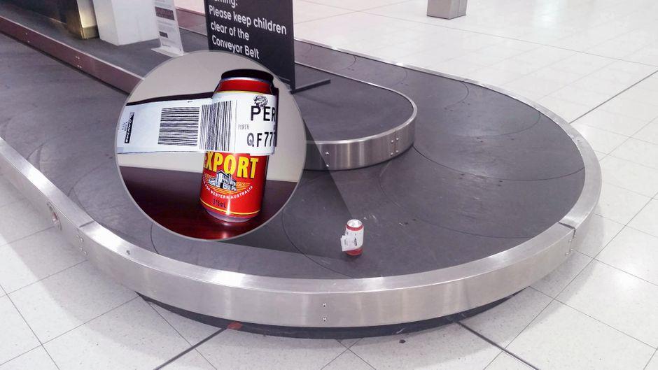 Die Bierdose kam tatsächlich auf dem Gepäckband am Flughafen Perth an.