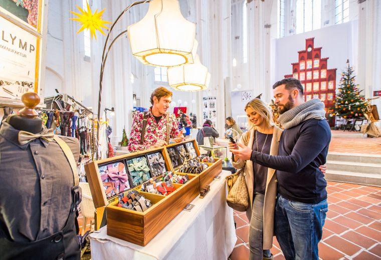Auf dem Lübecker Weihnachtsmarkt wird Kunsthandwerk noch großgeschrieben.