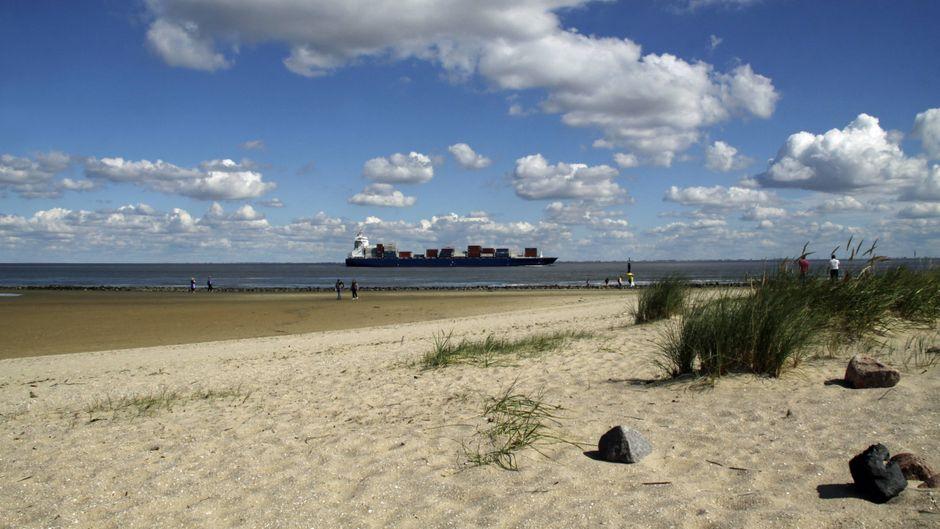 Cuxhaven ist vor allem wegen der schönen Strände bei Urlaubern beliebt.