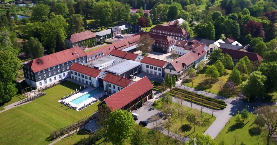 Das Gräfliche Park Grand Resort in Bad Driburg von oben