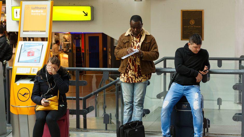 Lufthansa-Passagiere müssen wieder Geduld haben. (Symbolfoto)