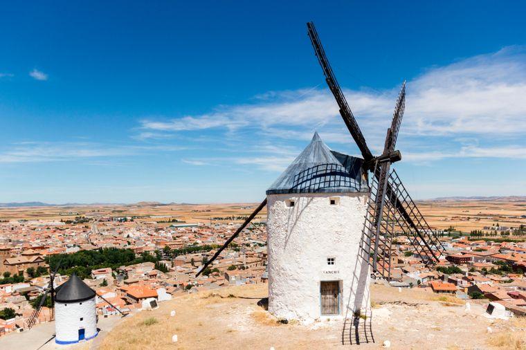 Beliebtes Fotomotiv: Die weißen Windmühlen von Consuegra.