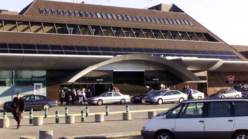 Der Flughafen Straßburg-Entzheim wurde evakuiert. (Symbolbild)