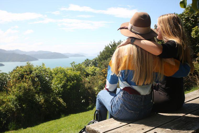 Wer hätte das gedacht: Jane und Julia gefällt Neuseeland – und Camping.