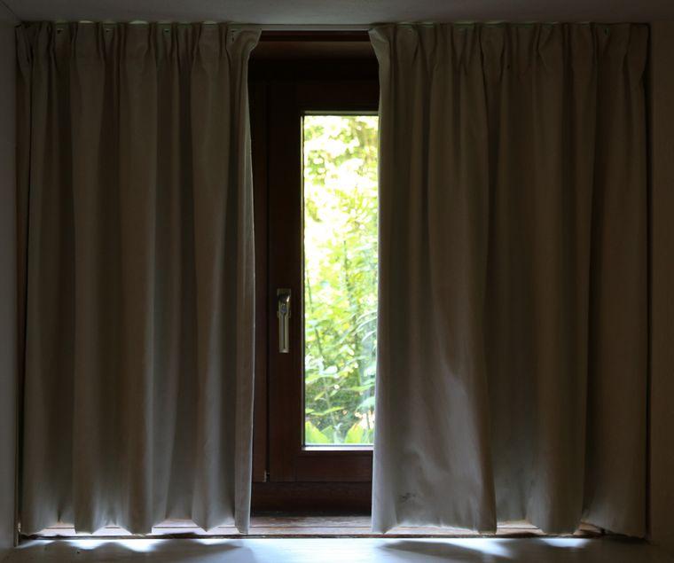 """Die """"Zimmerreisen"""" verschaffen einen privaten Einblick in Fremde Wohnungen – und ins eigene Innenleben."""