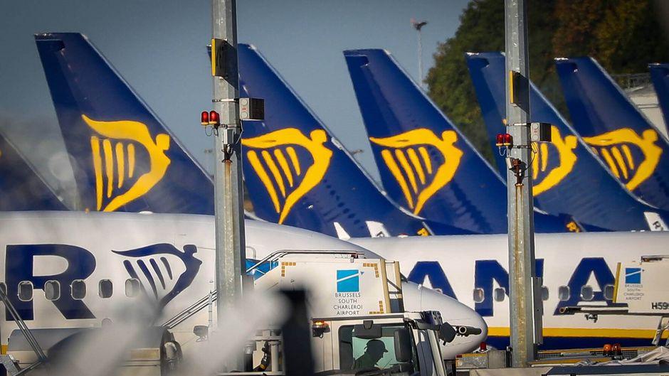 Ryanair droht seinen Mitarbeitern bei weiteren Streiks mit Stellenabbau.