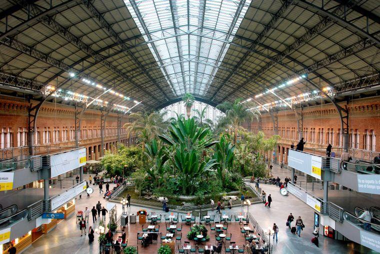Der Bahnhof Atocha in der spanischen Hauptstadtmetropole Madrid.