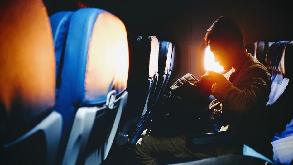 Für das zweite Handgepäckstück müssen Eurowings-Passagiere künftig bezahlen.