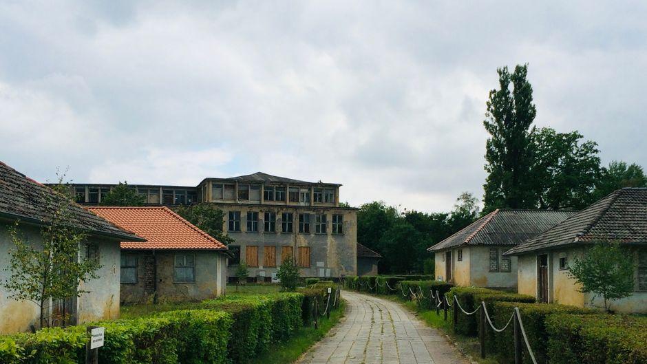 Die Überreste des olympischen Dorfes von 1936.